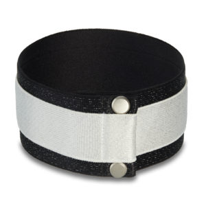 Shining Star Choker in black and white